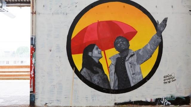 Street Art at Paris-Nord Refugee Humanitarian Center Image courtesy of City of Paris © Henri Garat/Mairie de Paris