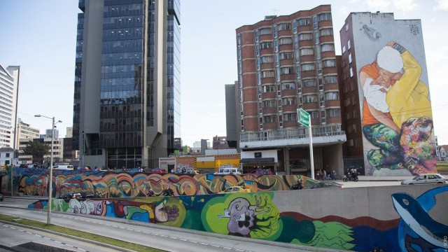 Urban regeneration: can cities stay unique?  Using participatory culture to create a sense of place