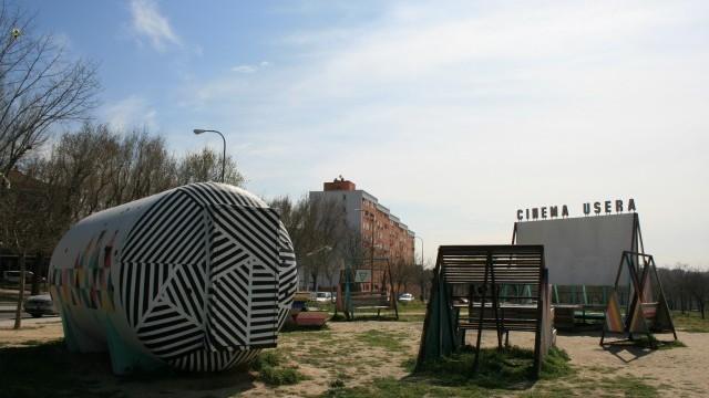 Open-air cinema at Paisaje Sur. Photo courtesy of Ayuntamiento de Madrid. Licenced under CC BY-SA 2.0