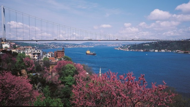 Fatih Sultan Mehmet Bridge Photo © Bekir Baki Aksu, ) Courtesy of Istanbul Directorate of Culture and Tourism
