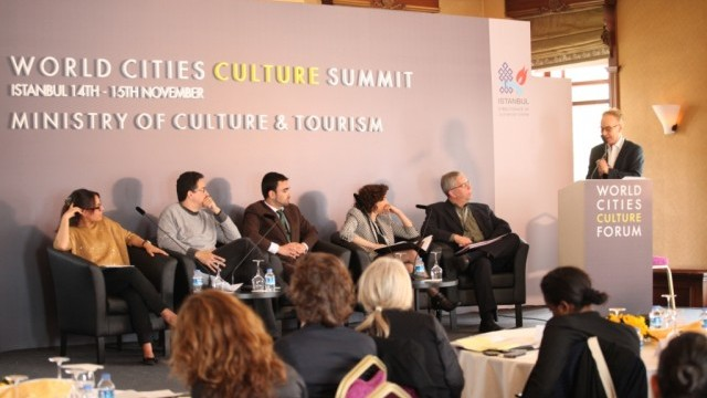 Sofía Castro, Consultant to the Minister of Culture, City of Buenos Aires; Sérgio Sá Leitão, Secretary of Culture /CEO of RioFilme, Municipality of Rio de Janeiro; Miguel Gutiérrez, Undersecretary of Tourism, City of Buenos Aires; Nathalie Maille, Executive Director, Conseil des Arts de Montréal; Jean-Robert Choquet, Director, Direction de la culture et du patrimoine, Ville de Montréal; Andy Pratt, Professor of Cultural Economy, City University London