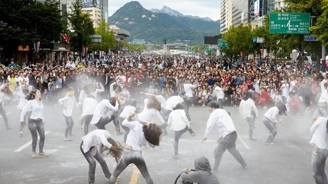 World Cities Culture Report 2015 Why culture is the golden thread of urban policy
