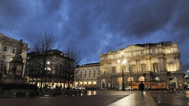 Piazza Scala Courtesy of Comune of Milan