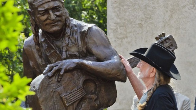 Willie Nelson statue. Photo ©Michael Knox; courtesy of City of Austin